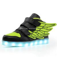 niño iluminando zapatos al por mayor-Niños Zapatos LED para niños Casual 6 alas de color zapatos Colorido brillante bebés niños zapatillas de deporte Carga USB Ilumina los zapatos C3300