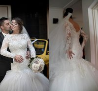 2015 Luxury Crystal White Lace Abiti da sposa 2015 Backless Mermaid / Tromba Bateau Puffy Tulle Appliques Manica lunga Abito da sposa Personalizzato