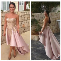 2018 Rosa High Low Prom Kleider Trägerlos Mit Gold Appliques Party Wear Sweep Zug Kurze Cocktail Formale Kleid