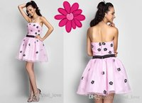 2015 Homecoming Dresses Pink Short Strapless Ruffle Zipper Appliques Бисероплетение Черных цветов Sweet Plus Size Party Dress