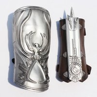 NECA Assassin's Creed Hidden Blade Brotherhood Ezio Auditore Gauntlet Replica Cosplay Chritmas mejor regalo Envío gratis