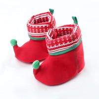 ingrosso i pattini inferiori rossi della neonata-Stivali rossi natalizi 2018 Inverno Neonati Calzature floreali Neonato Bambina Fondo morbido Caldo Prima scarpette Scarpe per bambini