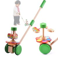 Giocattoli per bambini Push / Pull Baby Walks Giocattoli di legno Farfalla Slide orizzontale Infant Early Development Single Rod Hand Pushed Toy Gift