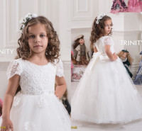 Wholesale Girls Vintage Shirt - 2016 Lace Short Sleeves Ball Gown Tulle Flower Girl Dresses Vintage Child Pageant Dresses Holy Communion Flower Girl Wedding Dresses F11