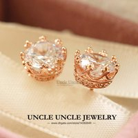 Classic Crown Style Stud Pendientes Rose Gold Plated High Quality Zirconia Round Prongs Luxury Ladies Ladies Earring Wholesale