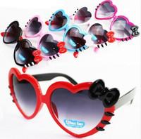 çocuklar kalp güneş gözlüğü toptan satış-Güzel ilmek kalp şeklinde Çocuk Güneş Gözlüğü Yaz Bebek Gözlük Erkek Kız Çocuk Karikatür Güneş Shades Güneş gölge Katlanır Gözlük V103