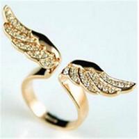 jóias de ouro china direta venda por atacado-Anéis de noivado Mais Recente Moda Fechar Imitação Modelos Femininos Jóias Direto Da Fábrica de Ouro Anjo Asas Cheias De Anéis De Diamante De Luxo