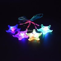 Wholesale rave necklace - 2017 LED Light Up Flashing Star Necklace Rave Party Favors Kids Children Wedding Halloween Birthday Glow Party Supplies