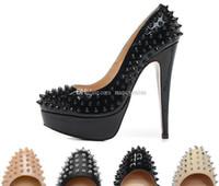 sapatos de plataforma de calcanhar venda por atacado-Dedos Redondos de luxo Com Spikes Rivets plataforma Nude Black Womens Bombas, 140mm Designer Vermelho Fundo Sapatos de Salto Alto Sexy Ladies Wedding shoes