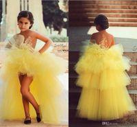 organza sarı elbiseler toptan satış-Güzel Sarı Pageant Elbise Kız Katmanlı Aplikler Boncuk Yüksek Düşük Çiçek Kız Elbise Sheer Boyun Çizgisi Organze Çocuklar Pageant Parti Törenlerinde