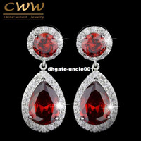 CWWZircons marca Classic Red Purple Green 2.8 quilates grande CZ Crystal pendientes largos para mujeres Fashion Zirconia Jewelry CZ014