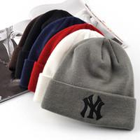 paare hüte großhandel-Hut der Paare hat heiße Verkaufs-Masken-Kappen-Mode-Winter-Frühlings-Sport-Beanies beiläufige Skullies-Marke gestrickte Hip Hophüte geben Verschiffen frei