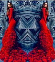 vestidos de noite vermelhos ajustados venda por atacado-Incrível Pétalas Vermelhas Trailing Vestidos de Noite 2016 Tripulação Manga Longa Slim Fit Vestidos de Baile Lace Up Voltar Sweep Train Celebridade Formal Vestidos