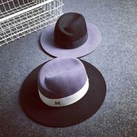 fedora satışı toptan satış-Toptan-mevsim erkekler kadınlar mektubu M chapeu vintage tasarım caz fötr yün kap Kadınlar için Klasik Fedora şapka satış fötr şapkalar