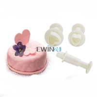 Wholesale Heart Cutters For Cakes - 3PCS Love Heart Plungers Sugarcraft Cutters Set for Biscuit Cake Fondant Decorating DIY Cake Tool New