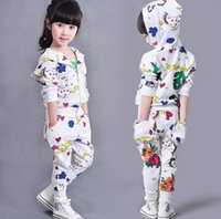 Wholesale cute baby girl clothes - Baby girls graffiti clothes set babies girl sport clothes outfits boutique fall clothing kids cute suits white color