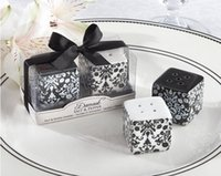 "Wholesale Ceramic Salt Pot - ""Damask"" Ceramic Salt and Pepper Shakers Pepper Pot Caste Shaker Salt Seasoning Pot Wedding Gift Wedding Souvenirs 1203#03"