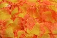 pétalos de flor de rosa naranja al por mayor-2000 unids Lote Naranja Amarillo Seda Pétalos de Rosa Flor Artificial Para La Boda Decoraciones de Mesa Event Party Supplies Pétalos