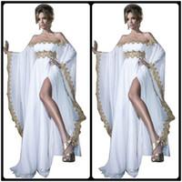 arapça kadın abaya toptan satış-2020 Arapça Stil Uzun Kollu Altın Dantel ve Beyaz Aplikler Şifon Abaya Kaftan Akşam Gelinlik Modelleri Ile Yüksek Yarık Kadınlar törenlerinde