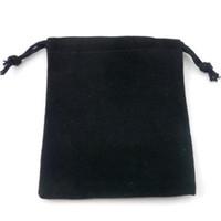 koşu poşetleri çantaları ücretsiz gönderim toptan satış-Yeni Siyah Takı Torbalar Çanta Kadife İpli Çanta Yüzükler Kolye Düğün Hediyesi için DIY Ambalaj Jewel Vaka Ücretsiz Kargo