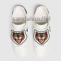 Wholesale Mens Sh - With box new arrivals 2017 mens and womens White leather Casual shoes with blue and red Web Removable embroidered Angry Cat patch low top sh