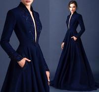 vestidos de noche largos fruncidos al por mayor-Vestidos de noche modestos de color azul oscuro 2015 Bordado Manga larga Satén fruncido Vestido Ellie Saab Vestido de noche Apliques de cuerpo entero Vestidos formales