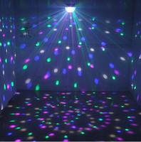 dj lazer aydınlatma efektleri toptan satış-Ses Kontrolü LED Kristal Magic Ball Işık 6 Renk Değişimi Lazer Etkileri Sahne Aydınlatma Disco Işıklar DJ Bar Parti Malzemeleri İçin