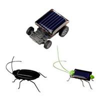 insectes robots achat en gros de-Belle Mini Enfants À Énergie Solaire À Énergie Enfants Jouets Criquet Solaire Crazy Grasshopper Jaune Et Vert Énergie Solaire Robot Insecte Bug En Mouvement Jouet