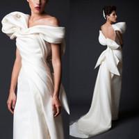 vestido bainha de linho venda por atacado-Design exclusivo Vestidos de Noite Branco Longo Trem Tribunal Ruffles Sem Encosto Vestidos de Noite Com Grande Arco Custom Made Mulheres Desgaste Formal Barato