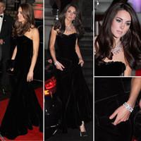 vestidos de noche largos de terciopelo al por mayor-Kate Middleton En Negro sirena Celebrity Dressess del cuello del amor de longitud de la alfombra roja de terciopelo vestido de noche vestidos de baile vestidos