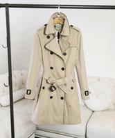 ingrosso cappotti americani per le donne-Indumenti da donna europei e americani nello stile europeo delle donne della stazione europea in un cappotto a doppio petto a tinta unita