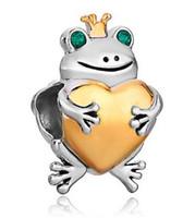 cuentas de rana al por mayor-Rana plateada del color plateado con los ojos de cristal que sostiene el corazón del oro Perla encantada del encanto europeo Pulsera de Pandora del ajuste