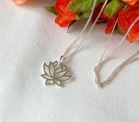 Wholesale Petal Flower Necklace - 5pcs lot Gold Silver Fashion Yoga Petal Lotus Clavicle Necklace Plant Flower Pendant Personalized Pretty Metal Necklace