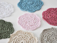 Tapis Design Crochet Pas Cher-Vente en gros 100% coton fabriqué à la main en crochet doily table cloth 4 designs cup mat rond 9-14cm crochet applique 30PCS / LOT
