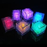 lampes de nuit pour le mariage achat en gros de-LED Ice Cubes Rapide Flash Night light Slow Clignotant 7 Couleur Changement led lampe Crystal Cube Saint Valentin Fête De Mariage Lumière de vacances