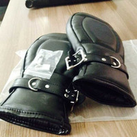 Wrist & Ankle Cuffs Unisex Black 2015 Bondage Handcuffs Black Leather Deluxe Padded Fist Mitts Sex Toys BDSM Bondage Handcuffs Adult Sex Products for Couple BJ292904
