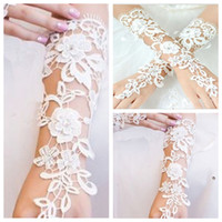 Wholesale Ivory Elbow Lace Fingerless Gloves - 2015 New Arrival Wholesale In Stock Ivory Lace Fingerless Bridal Gloves Under Elbow Lace Brides' Gloves Cheap Online Accessories Online