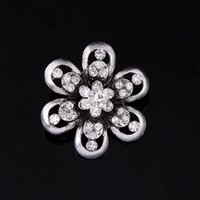 Wholesale Bridal Party Themes - Brooches For Women Elegant Chic Rhinestone Wedding Bridal Brooch Pin Winter Snowflake Theme Christmas Brooches
