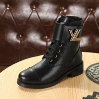 Wholesale fashion motorcycle boots - Luxury Brand Womens Ankle Martin Boots Square Heel Platform Knight Motorcycle Cow Leather Boots Size 35-40
