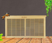 Wholesale Isolation Board - Beekeeping Tools Italian bee vertical isolation board for bee green environmental beehive beekeeping supplies free shipping