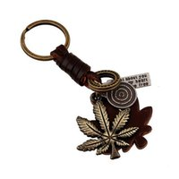 Wholesale Vintage Braid Leather Keychains Fashion Alloy Maple Leaf Pendant Key Chain Mens Punk Handbag Accessories Y120