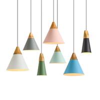 tonos claros de aluminio al por mayor-L70-Luces colgantes de madera modernas Lámpara de aluminio de colores Sombra Lamparas Luminarias Luces de comedor Lámpara colgante para la iluminación del hogar