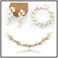 Wholesale-Fashion Bridal Jewelry Sets Elegant White Rhinestone Pearl Gold Wedding Pendants Collants Chokers Pendentifs Pendentifs Bracelets