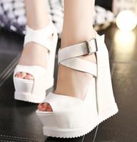 14cm'lik kamalar toptan satış-Yüksek Tavsiye 14 cm Toka Çapraz Askı Yüksek Platform Ayakkabı Seksi Kama Sandalet Beyaz Siyah boyutu 34 38