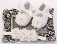 Wholesale flower girl shoes sale - 6 off hot sale Newborn Baby Girl Shoes Headbands Set Pearl Shoes Baby Sapato Bebe Infant Baptism Shoe Shabby Flower Baby Moccasins set