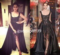 heiße schwarze röcke großhandel-2019 Elie Saab Sonam Kapoor Anlass Abendkleider Hot Sexy Black Lace Perlen Kristall über Röcke Split Abendkleider Dubai Saudi Arabisch