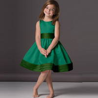 Wholesale Emerald Green Color Dresses - 2018 Lovely Emerald Green Flower Girl Dresses Cheap A-Line Knee Length Scoop Neck Satin Sleeveless Children Party Gowns