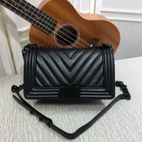 Wholesale Womens Black Large Bags - Hot sale Large V New Style High quality Leather 25cm Fashion casual womens handbags Shoulder Bags totes Le Boy Flaps black chain bags