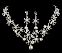 Wholesale Luxury Bridal Set Silver - 2016 New Shinny Bridal Jewelry Rhinestone Crystal Pearls Luxury Necklace Earring Jewelry Set For Wedding Party Evening Cheap In Stock 2017