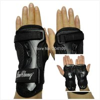Wholesale skiing gloves sale resale online - 2020 new style cheap wholsale Sports Gloves Armfuls Wrist Palm Protection Skiing Skating Skateboarding Gloves Hand Roller for sale